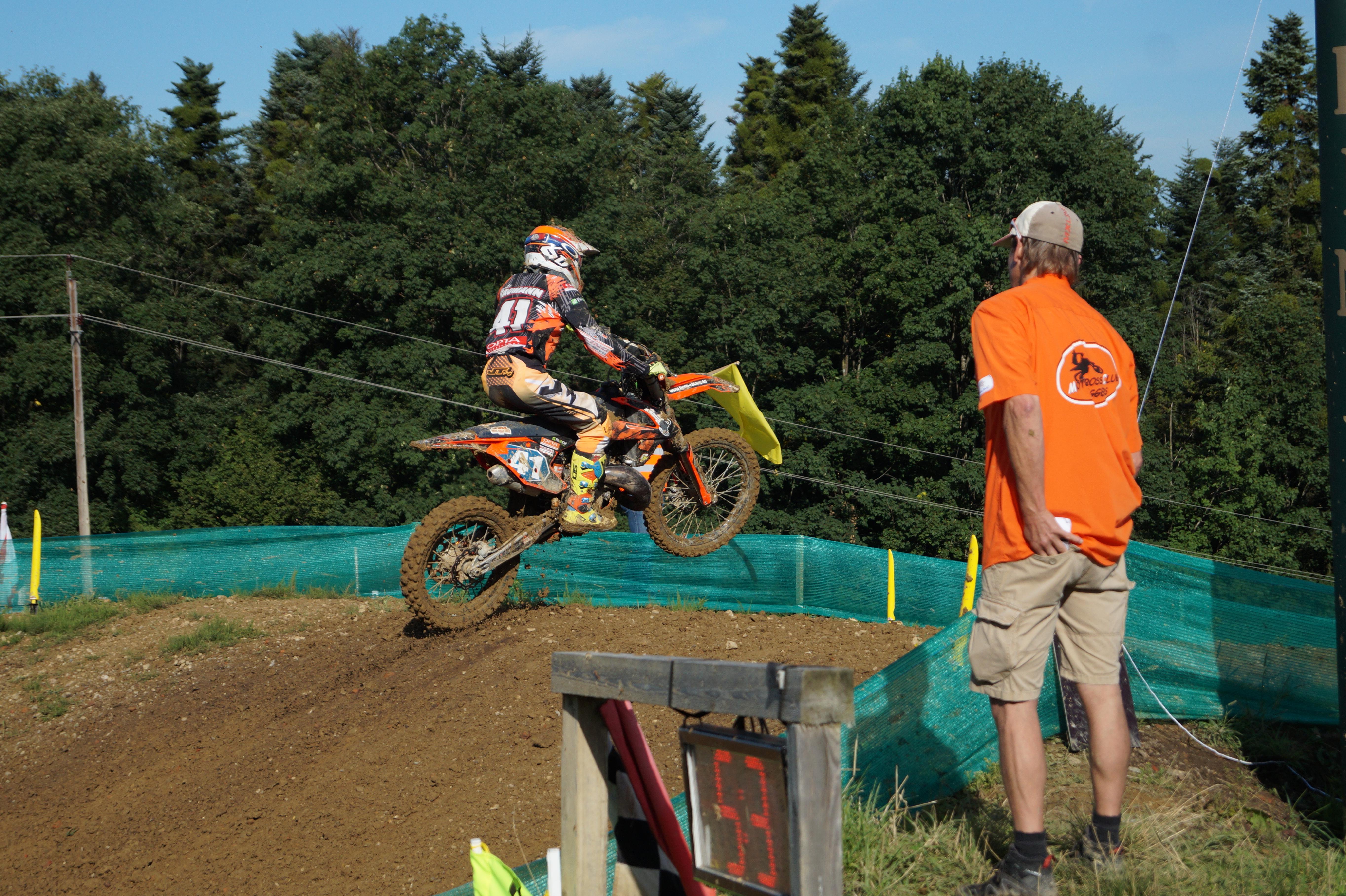 Super Leistung beim Motocross in Möggers